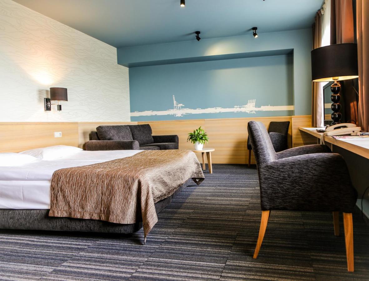 Отель  Rija Port Hotel Riga  - отзывы Booking