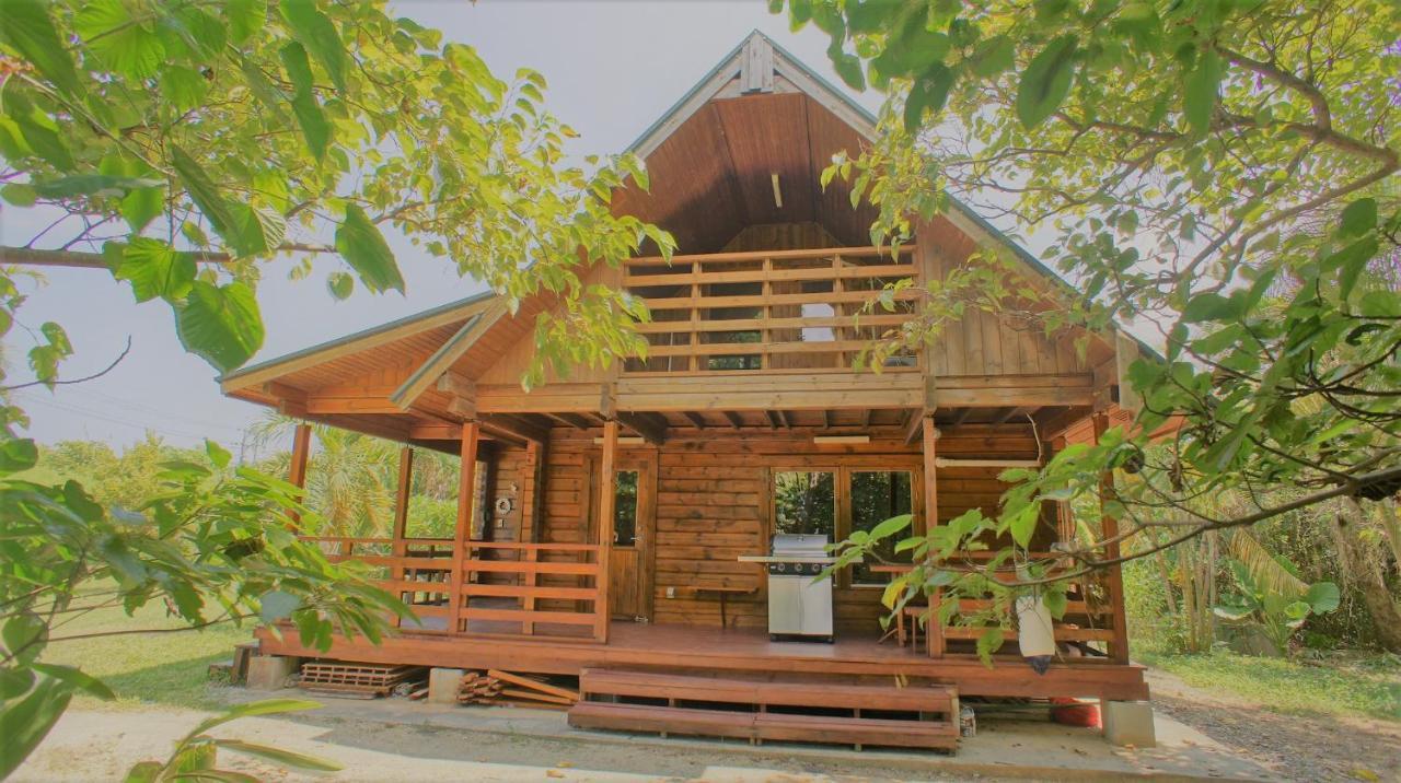 Дом для отпуска  島の休日 ヨイサーマー YOISAMA Sunrise Beach House