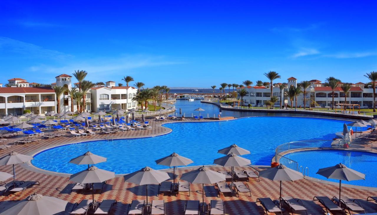 Басейн в Dana Beach Resort - Families and couples only або поблизу