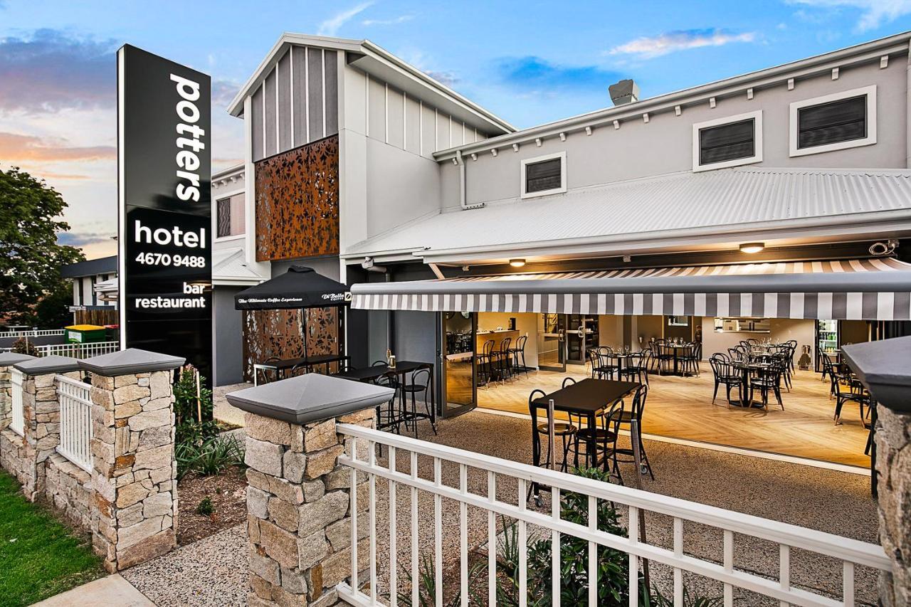 Отель  Potters Toowoomba Hotel  - отзывы Booking