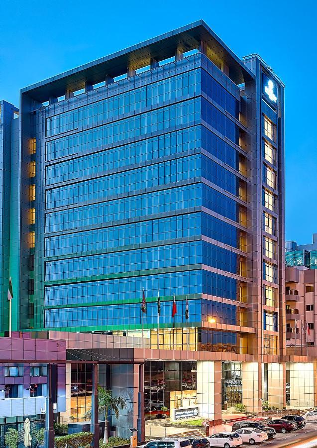 Отель  Отель  Royal Continental Hotel