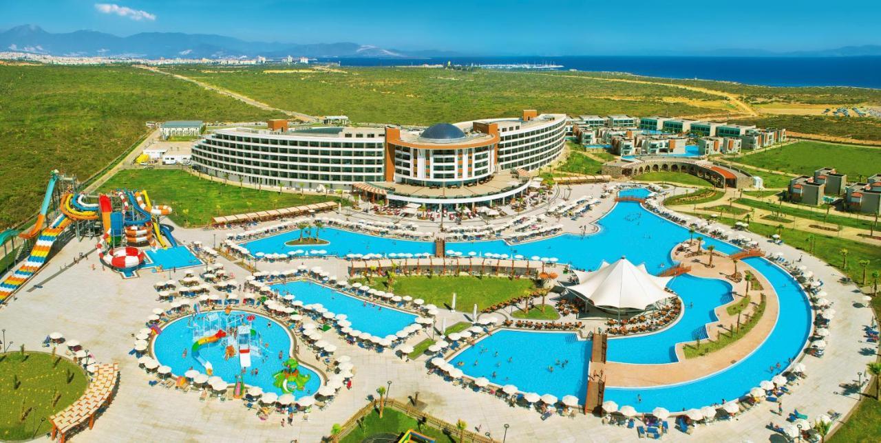Aquasis De Luxe Resort & SPA - Ultra All Inclusive с высоты птичьего полета