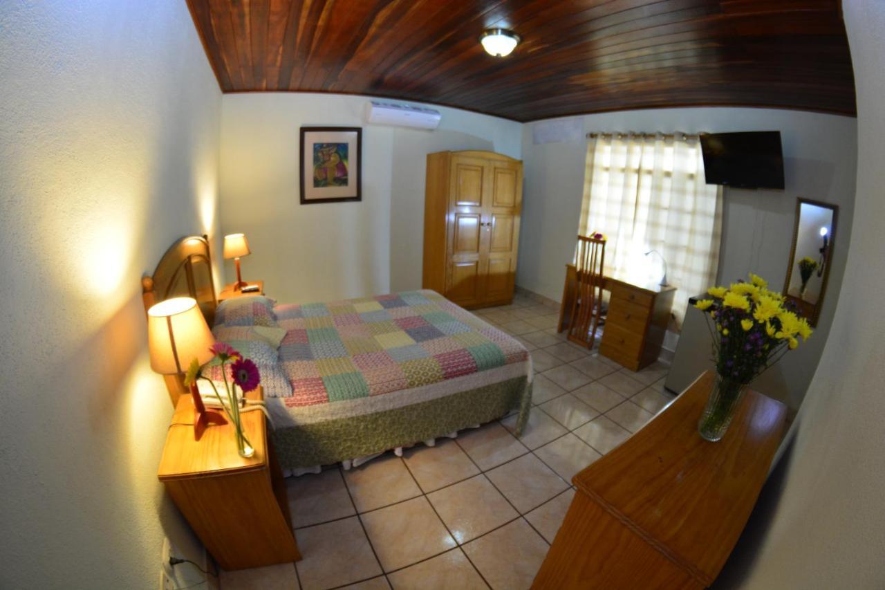 Отель  Hotel Posada Don Pantaleon