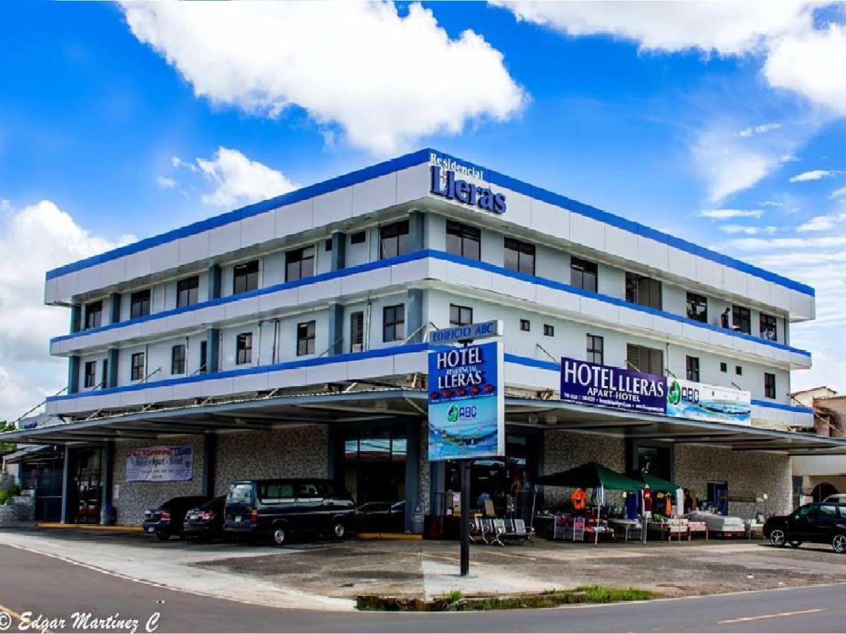 Отель  Отель  Hotel Lleras - Aparthotel