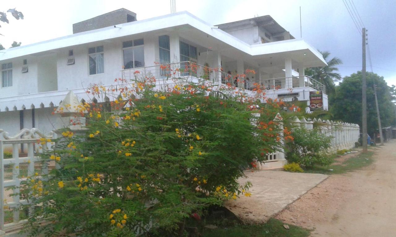 Отель  Galaxy Beach Hotel  - отзывы Booking
