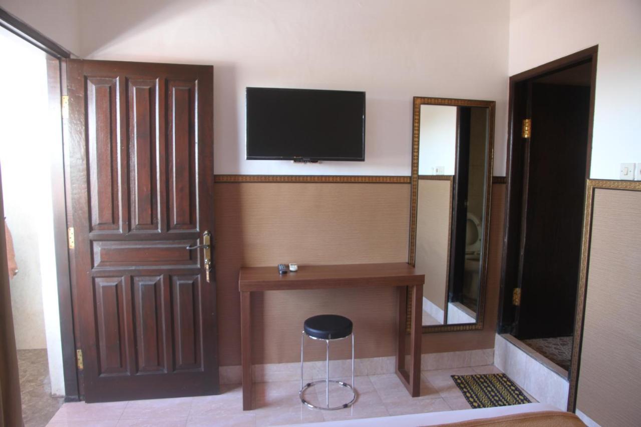 Отель  Pandora Hotel  - отзывы Booking