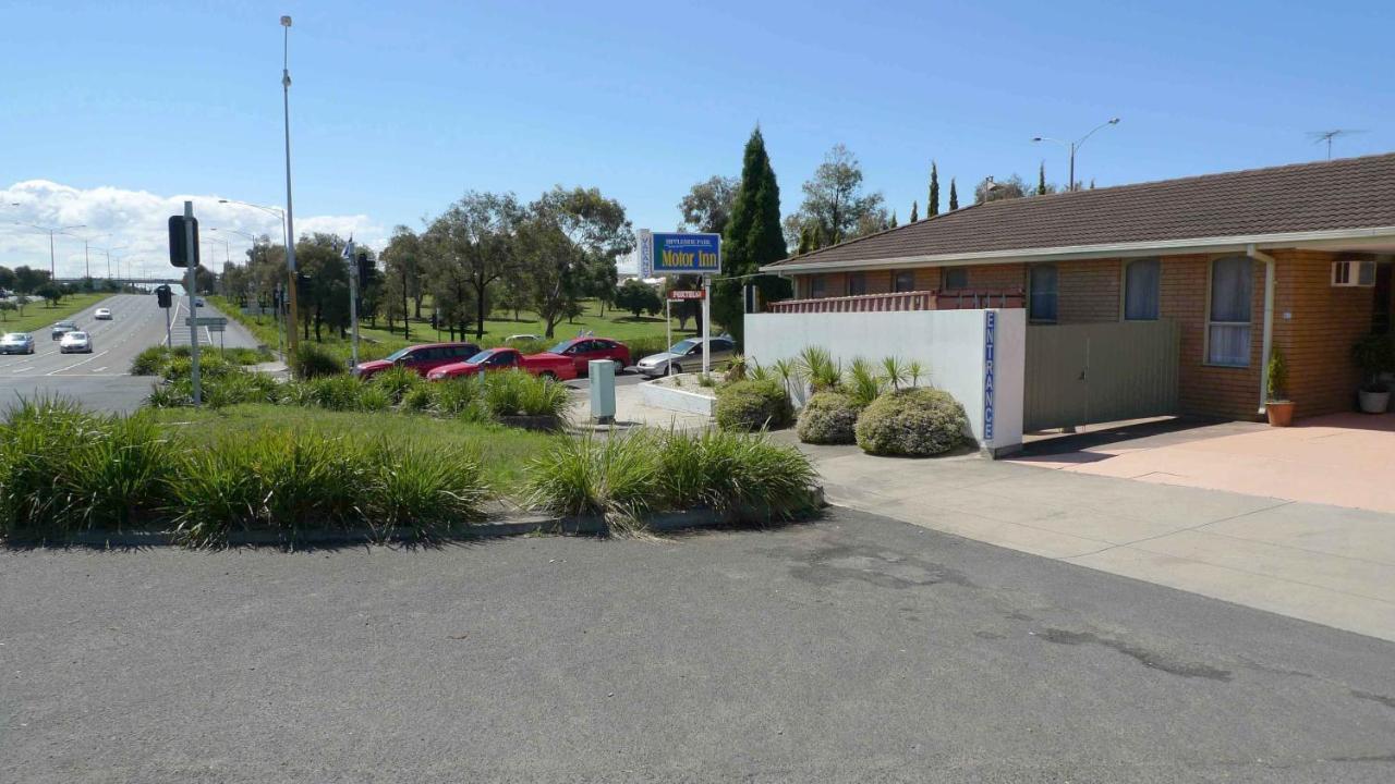 Rippleside Park Motor Inn Geelong Australia Booking Com