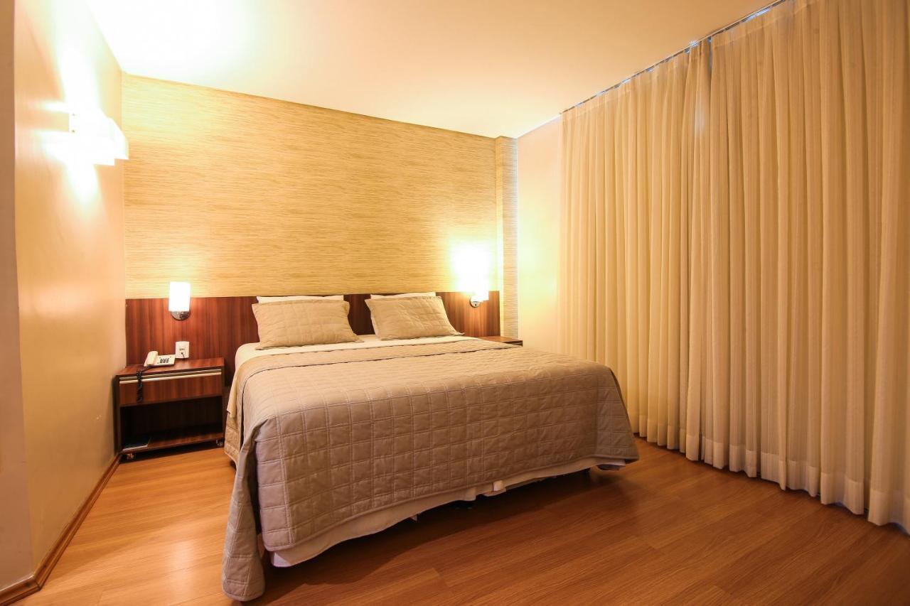 Отель Отель Hotel Serrano