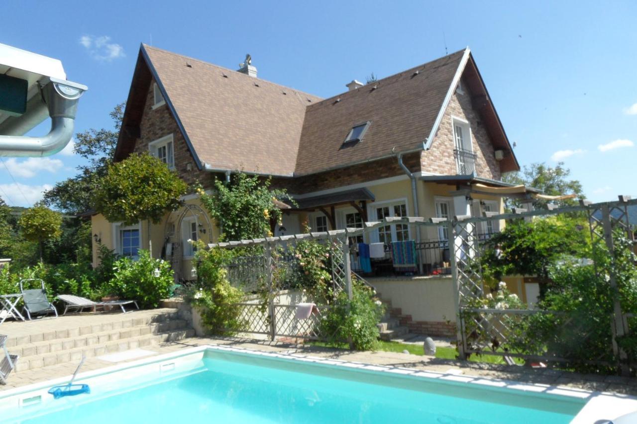 Загородный дом  Rose Cottage  - отзывы Booking
