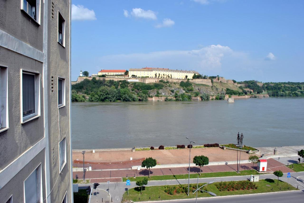 Фото  Апартаменты/квартира  Top Place River Side Apartment -great View 55m2