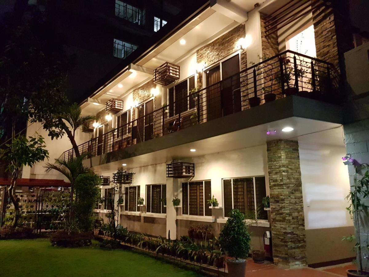 Отель типа «постель и завтрак»  New Manila Suites  - отзывы Booking