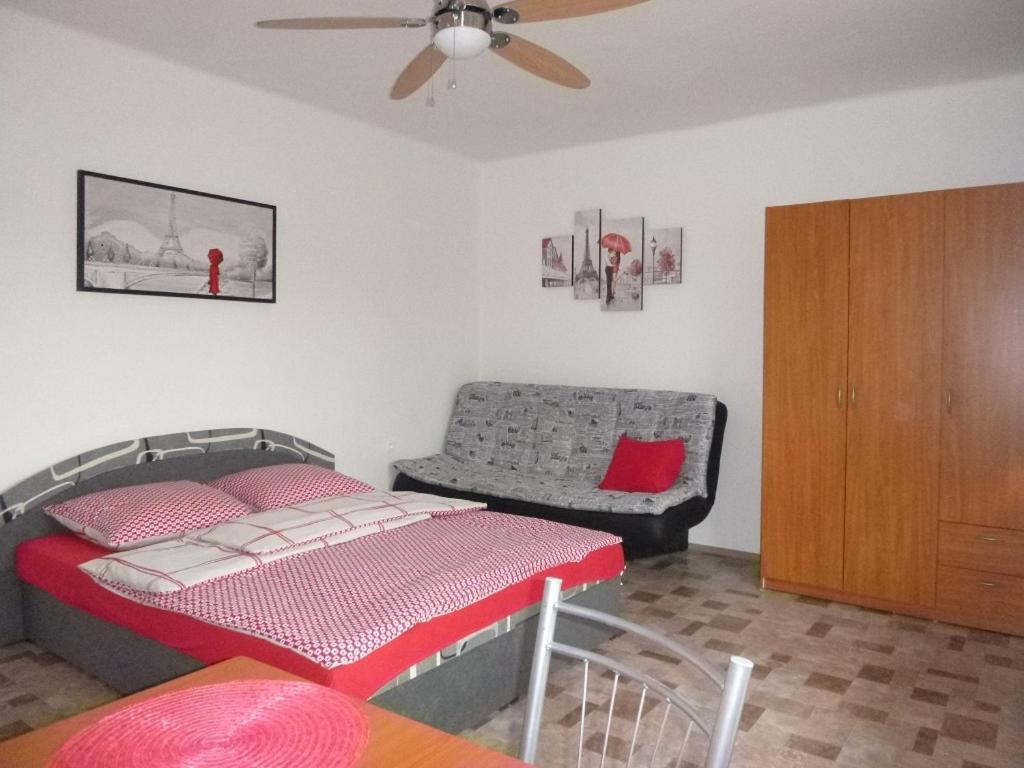 Проживание в семье  Apartmanovy dom Grand  - отзывы Booking