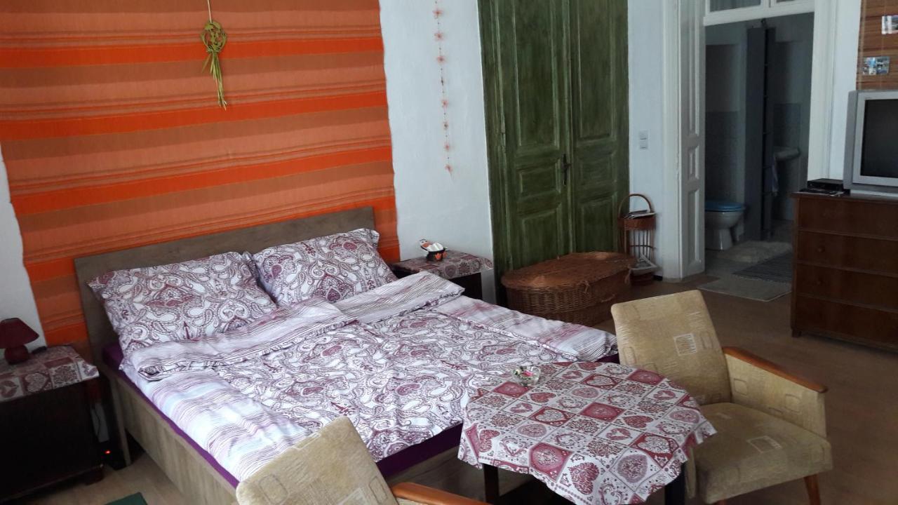 Фото  Апартаменты/квартира  Sasfeszek Apartment