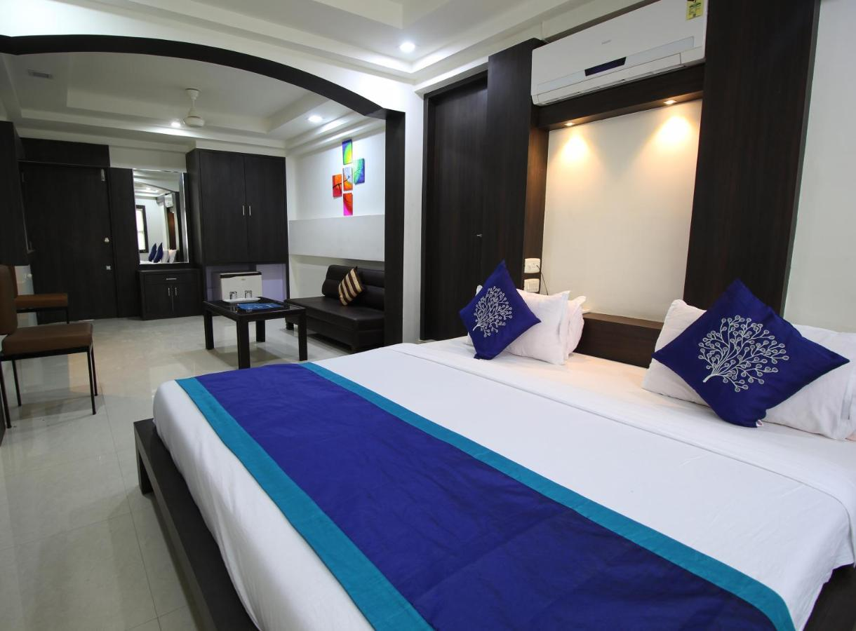 Мини-гостиница  Hotel Nova Cross Road  - отзывы Booking