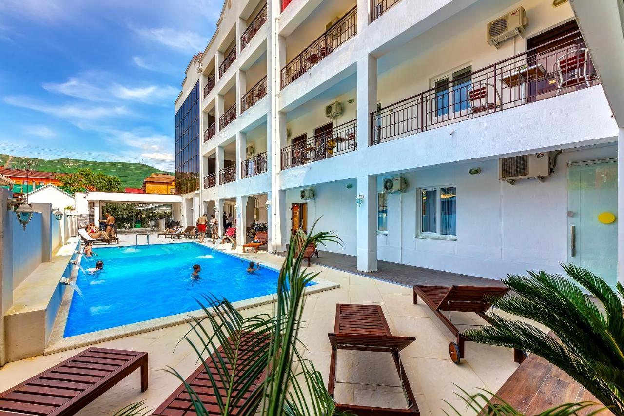 Отель Отель Азария
