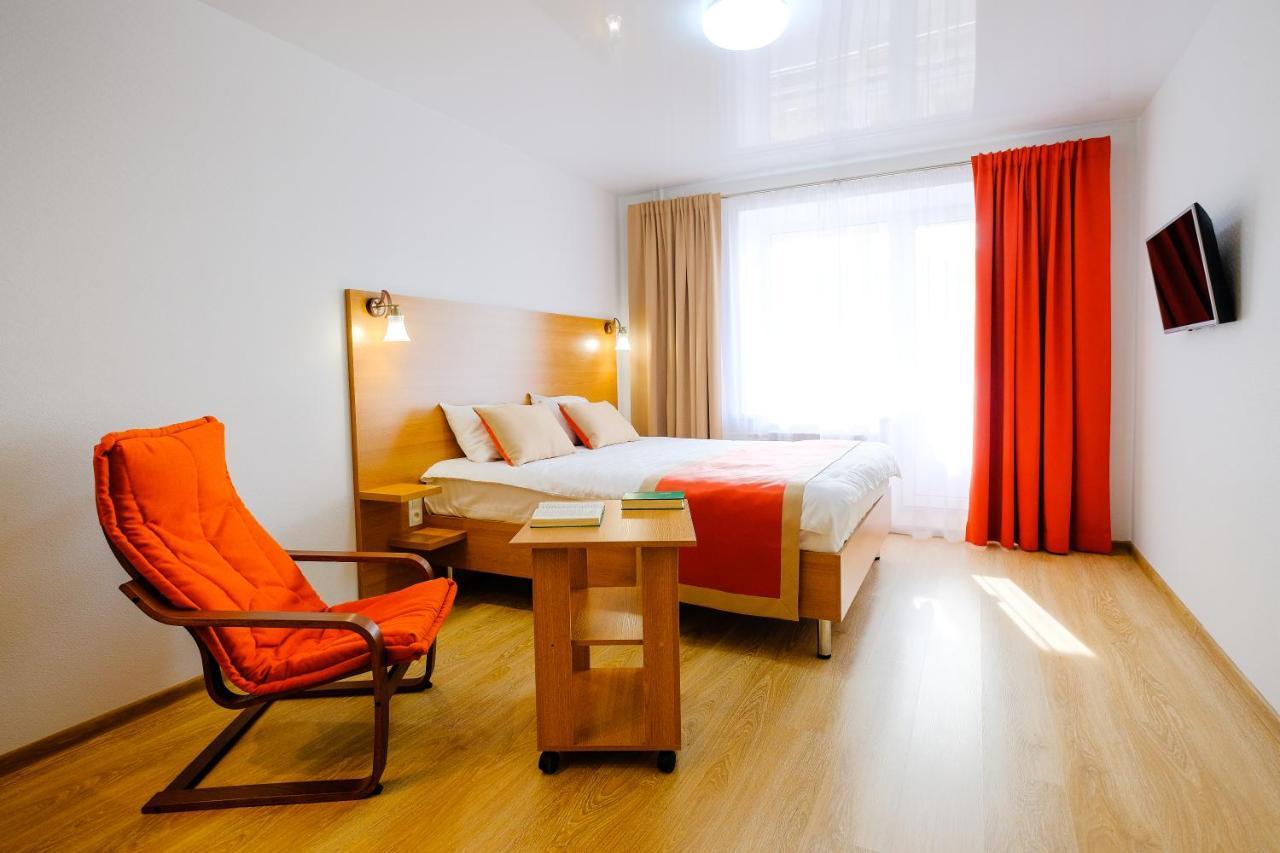 Фото  Апартаменты/квартира  Apart Petrovskie On Matrosova 3 № 2