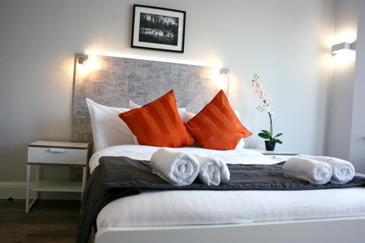 Отель  Westciti Caroco Aparthotel