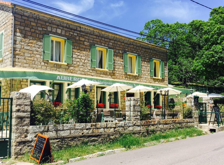 Гостевой дом  Hôtel La Chataigneraie  - отзывы Booking