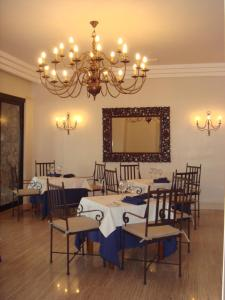 A restaurant or other place to eat at Villa VIK - Hotel Boutique