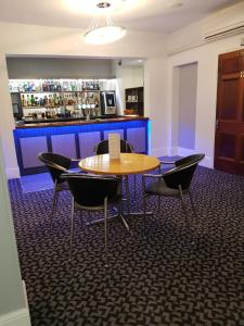 The lounge or bar area at Best Western Andover