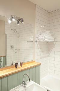 A bathroom at The Blue Boar