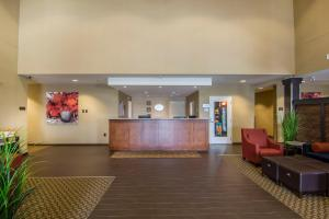 The lobby or reception area at Comfort Suites Regina