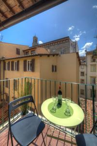A balcony or terrace at Piazza Signoria Suite