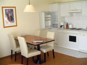 Küche/Küchenzeile in der Unterkunft Apartments Boddenhof Stedar