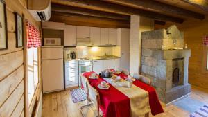 A kitchen or kitchenette at Riihipiilo