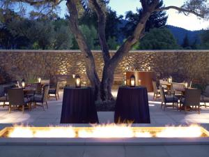A restaurant or other place to eat at Hotel Yountville