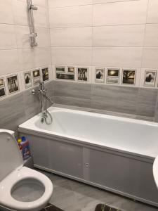 Ванная комната в Apartment on ulitsa Volzhskaya 34