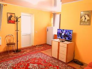 Телевизор и/или развлекательный центр в Imperija