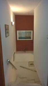 Баня в Avra Rooms