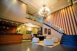 The lobby or reception area at Aipana Plaza Hotel
