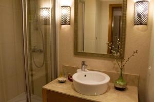 حمام في نزل كابادوكيا