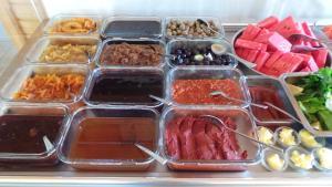 Завтрак для гостей Mercan Bungalow