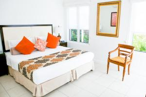 A bed or beds in a room at 5313 BEACH CLUB CORAL SUITE