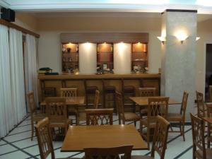 A restaurant or other place to eat at Hotel Cybele Pefki