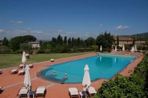 The swimming pool at or near Borgo Il Melone