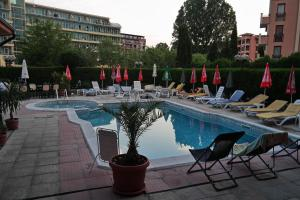The swimming pool at or near Friends Family Hotel