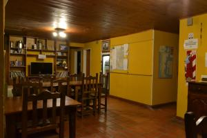 A restaurant or other place to eat at Lo de Trivi