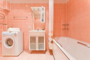 Ванная комната в Big Family Apartment in SPb