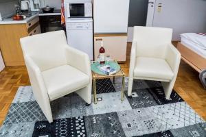 Ein Sitzbereich in der Unterkunft Ferienwohnung Hack