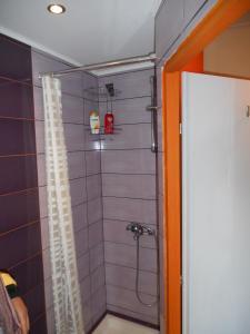 A bathroom at Homy studio