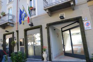 The facade or entrance of Hotel Giulio Cesare
