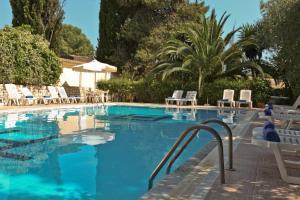 Πισίνα στο ή κοντά στο Ξενοδοχείο Γαλαξίας
