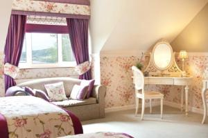 A bed or beds in a room at Ardeevin Guest Accommodation