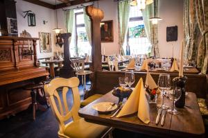 A restaurant or other place to eat at Veganhotel Nicolay 1881