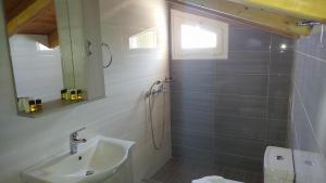 A bathroom at Aegean View Villa