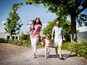 A family staying at Domaine de Blangy